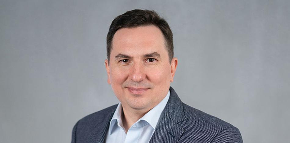 Zdjęcie przedstawia Grzegorza Tkaczyka